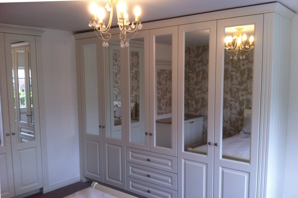 Wardrobes_Classic Style_White with mirrors
