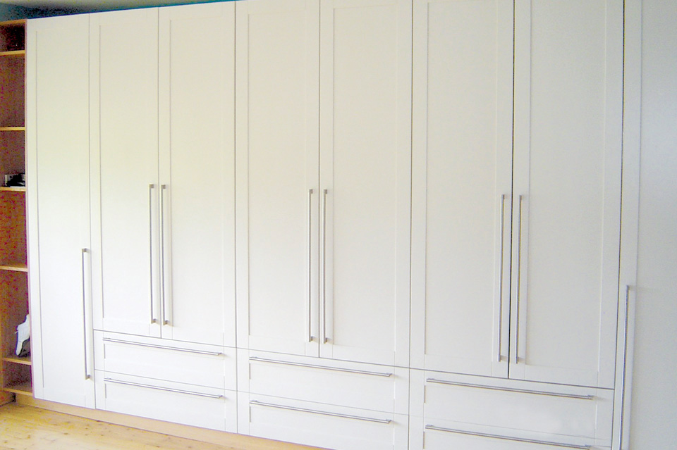 Contemporary_Modern_White Wardrobe_Robert Mooney_Dublin South_Wicklow North